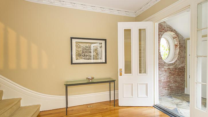 31 Upton Door