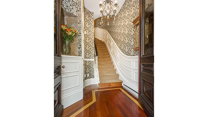 10 Holyoke Staircase